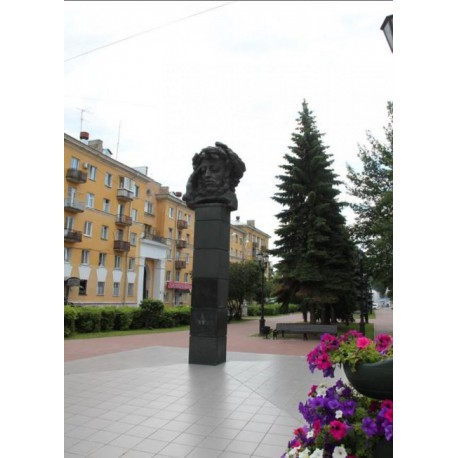 Bust in Тверь (Russia, 1972)