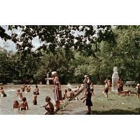 Бюст в г.Южно-Сахалинск (Россия, 1949)