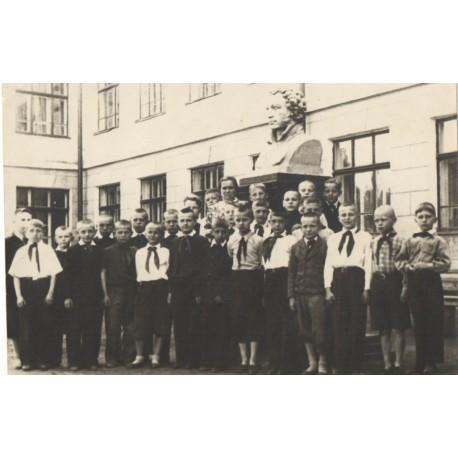Бюст в г.Ижевск (Россия, 1949)